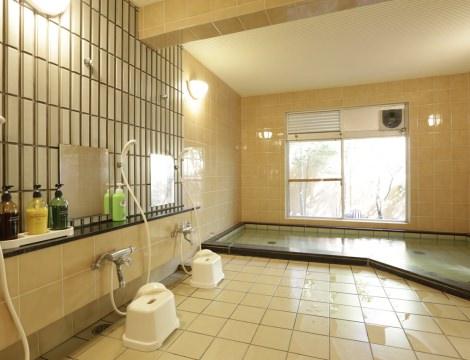 ゆったり入れる大浴場