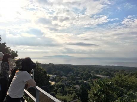 伊豆高原を一望する
