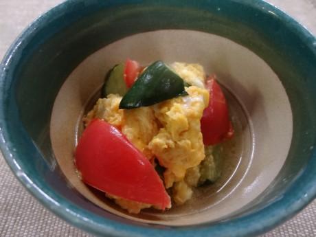 トマトときゅうりの卵炒め