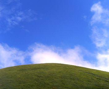 青い空と大室山